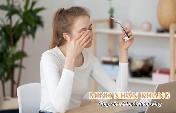 Mỏi mắt khô mắt có thể do tật khúc xạ gây ra